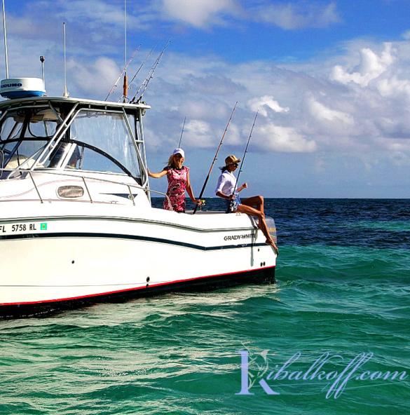 Катамаран Толстый Кот в Доминикане для донной рыбалки и морских прогулок
